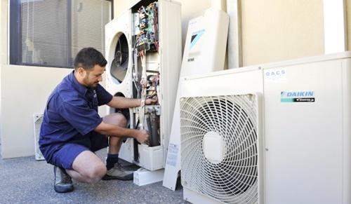Servicii instalare aer conditioant